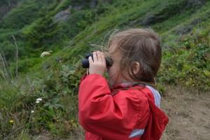 8 Ana with the binoculars
