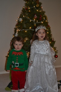 Today we're real life Christmas ornaments.  Rafa is an elf and I'm a fairy (not an angel, Mum keeps getting that wrong).