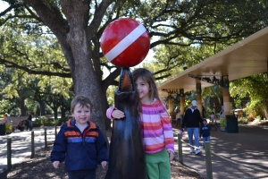 Mr Sun is back and we celebrated with a trip to the Houston zoo.