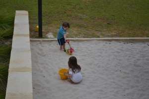 Fortunately Mum and Papi were happy to sit and wait whilst Rafa and I had a leisurely play in the sandpit.