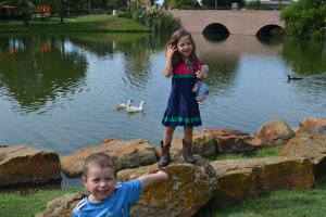 After Rafa's soccer we went to hang out by the lake.  Have some lunch and play on the rocks with the ducks.