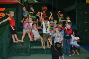 Vincent had his Ninja Turtle birthday party at Westwood gymnastics.  Talk about 10/10 for theme and location!