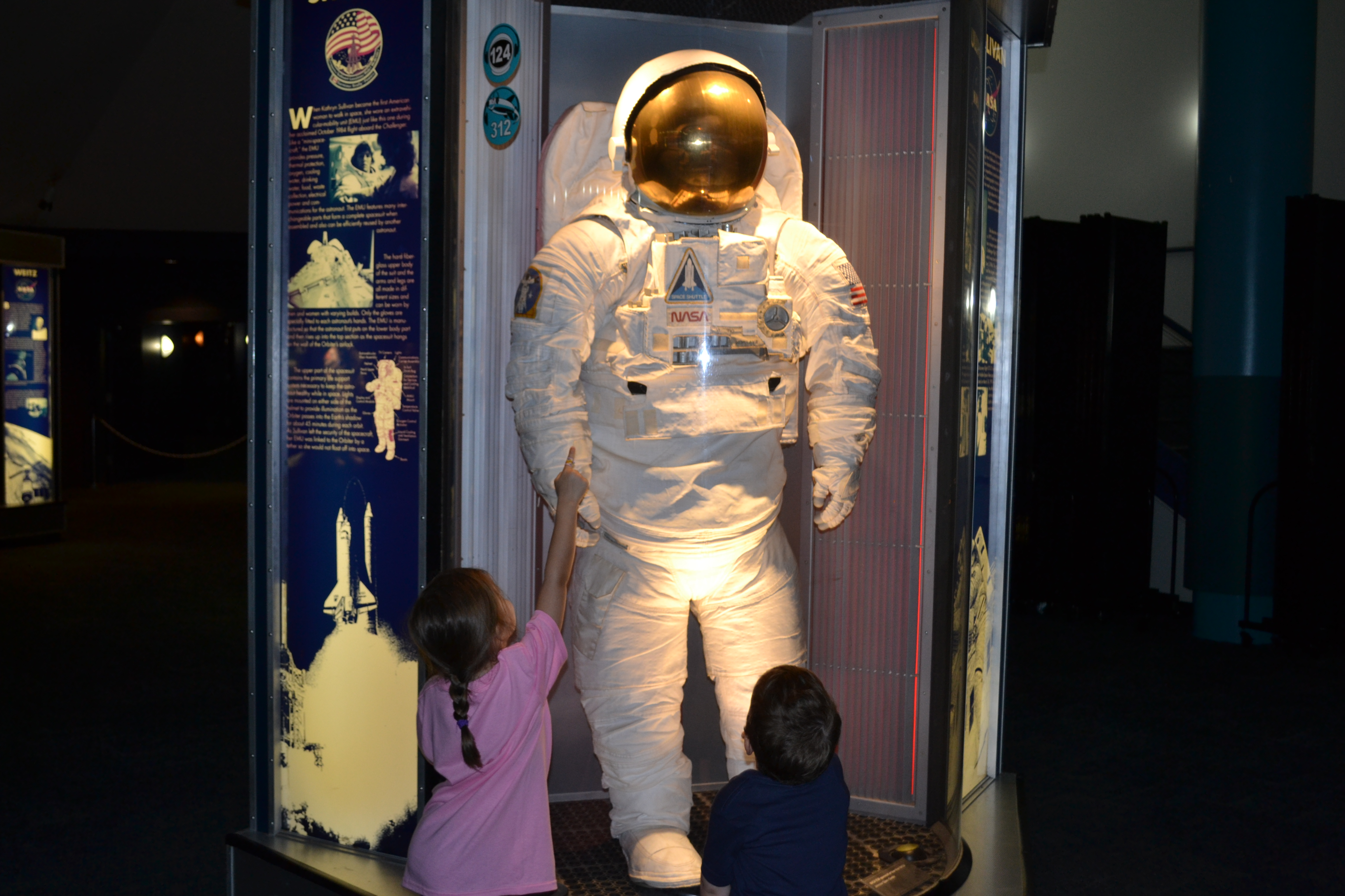 Space Suit Little Girl - Pics about space