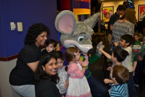 Anvay's party in the afternoon was at one of our favourite party venues, Chuck-E-Cheeses.