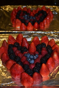 One berry heart for my class and another for Rafa's (and we had mini berry hearts for supper!)