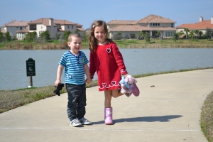 Love and sunshine was in abundance this Valentine's day.  A perfect day for a stroll around the lake.