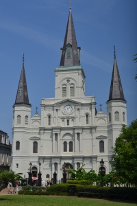 This is St Louis Cathedral. The oldest Catholic cathedral still in use in the US