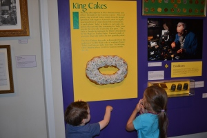 And equally impressed by the King Cake with the hidden baby in it. If you get that piece then you have good luck and it's your turn to buy the next one. We were a little disappointed when we realised the one on display wasn't for real.