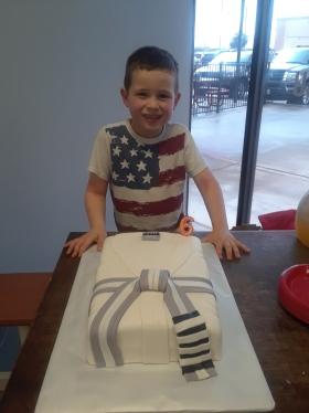 Rafa 6 bday with cake